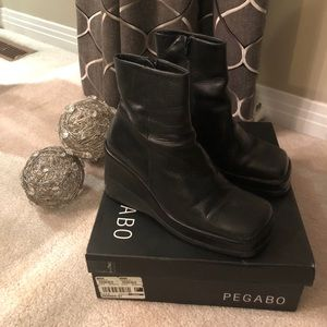 ⬇️ Price Drop ♦️Pegabo Wede Leather Boots
